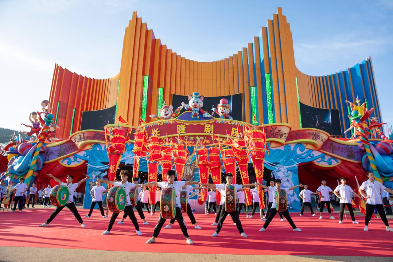 集国际演艺20年大成,珠海长隆剧院巨制《龙秀》震撼开秀