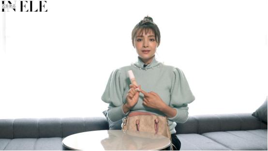 盛世美颜的麦迪娜如何保养皮肤?看她包里的东西,瞬间就恍然大悟