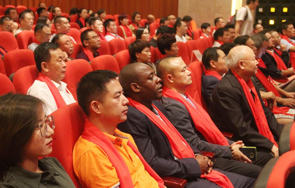 元培商学院与华海共建白癜风康复学院,培养逾千名白癜风康复人才