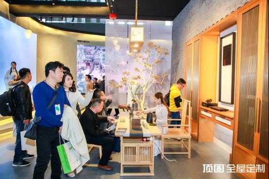 专访顶固张俊涛丨现代西式VS传统中式,演绎轻奢新时尚