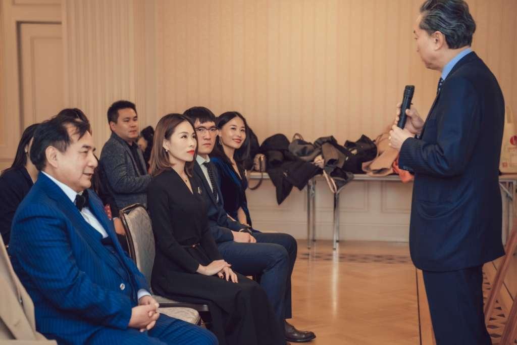 能量池东京拜访亲中日本首相鸠山由纪夫交流友好中国文化