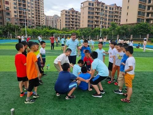 力迈国际学校海南校区全外教夏令营开幕