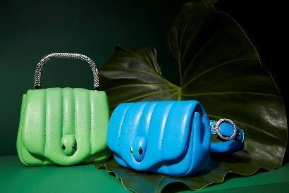 AMBUSH × BVLGARI联名款手袋 雎晓雯倾情演绎宝格丽手提包包的独特色彩