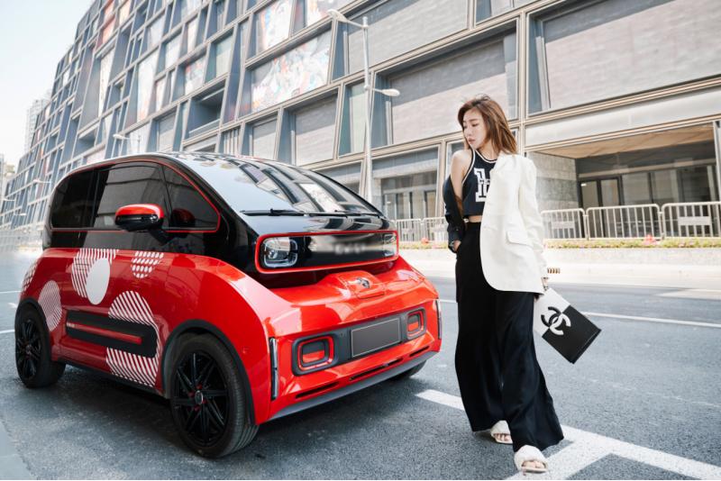上海时装周奇遇 BAOJUN 新款 E300