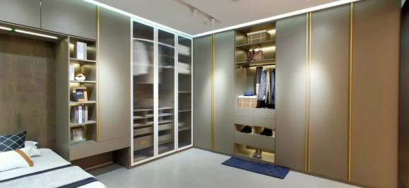 铝制衣柜那么多,咋选才能整出豪宅范儿?